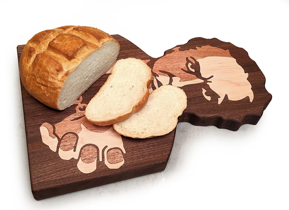 Houdini Cutting Board Bread